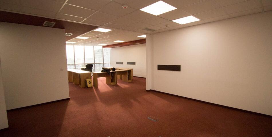 офис в Офис сграда